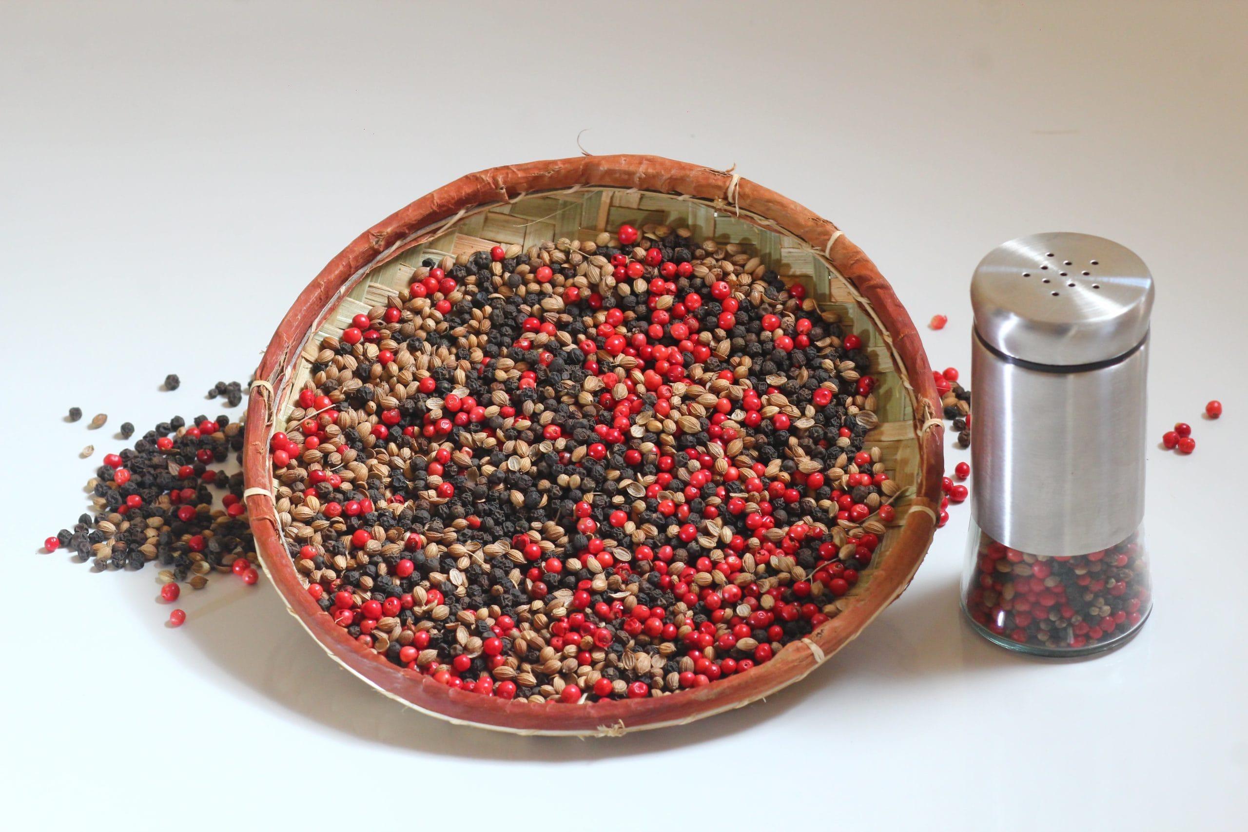 melange-poivre-noir-baies-roses-coriandre1